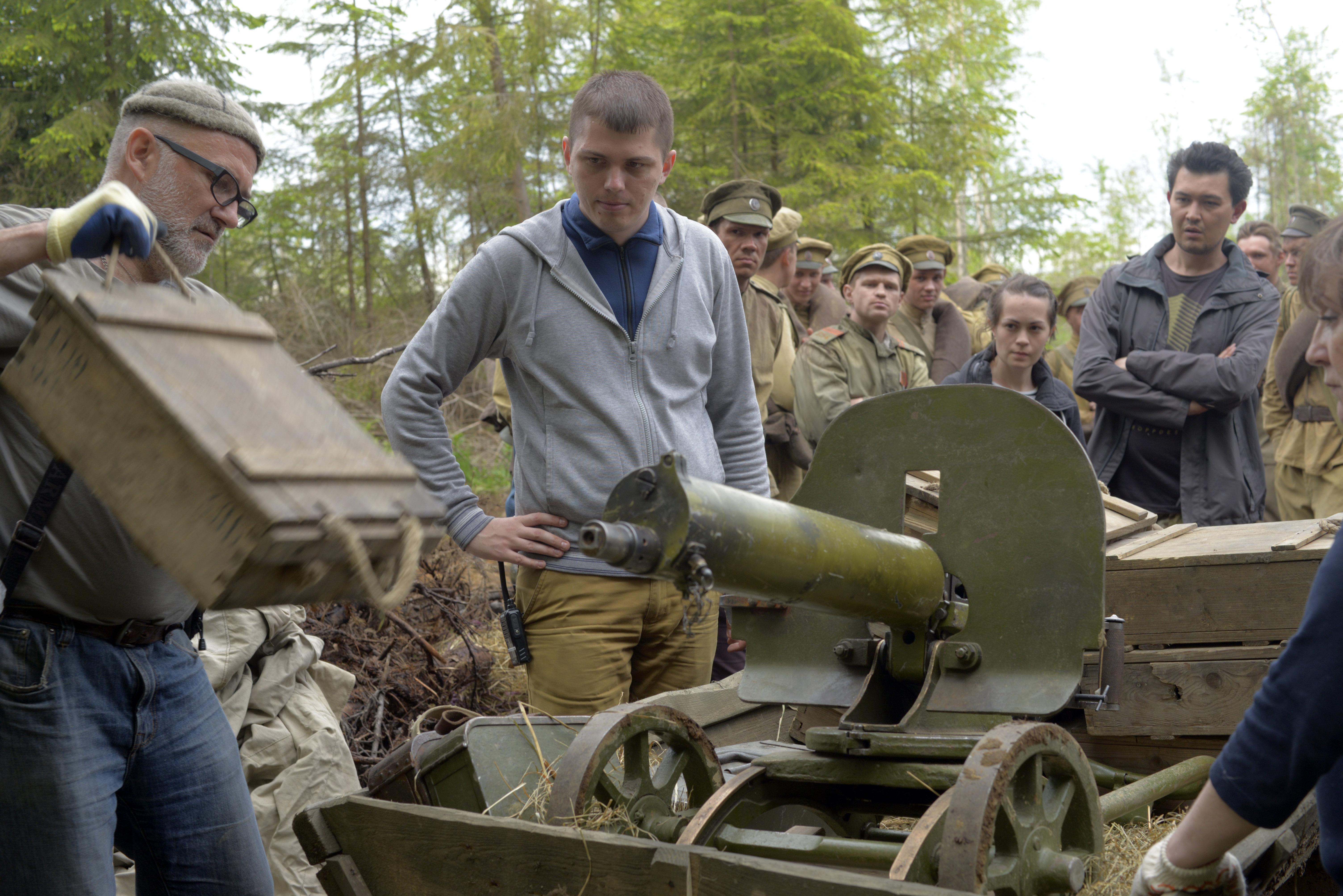 «Une jeunesse russe» Le réalisateur Alexandre Zolotoukhine lors du tournage.