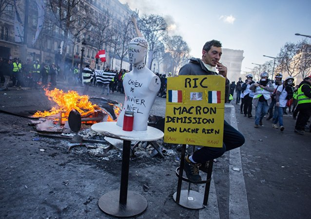 Acte 18: les Gilets jaunes défilent à Paris, le 16 mars 2019 /