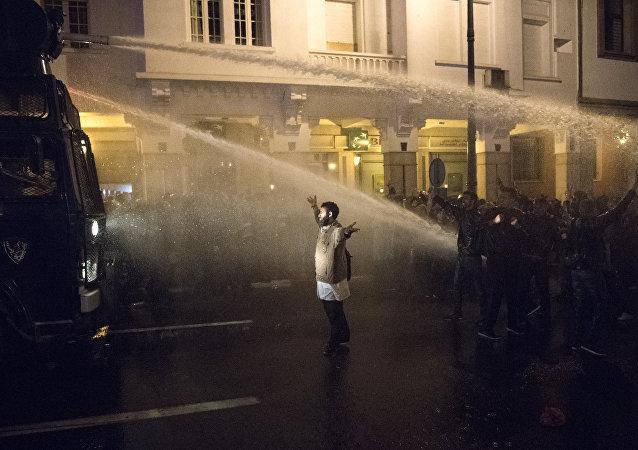 Maroc: manifestation de milliers d'enseignants dispersée à Rabat