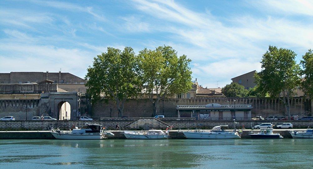 Deux policiers municipaux retrouvés morts — Avignon