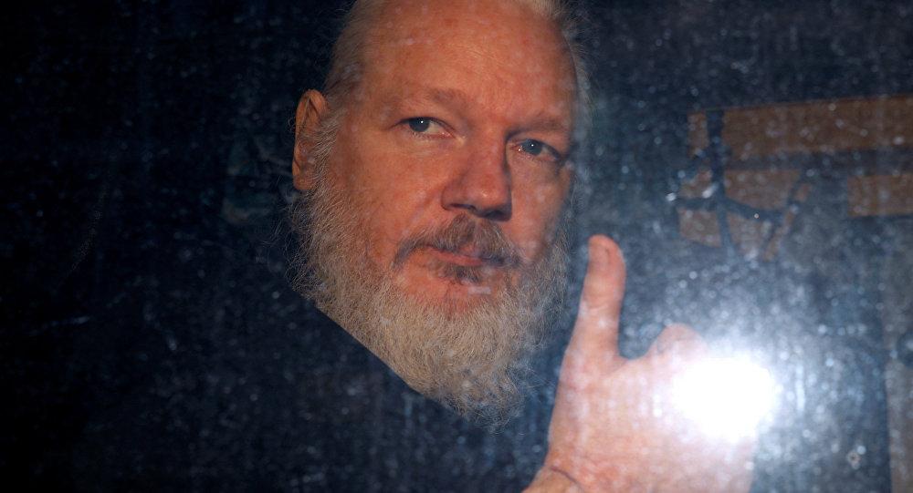 Pas d'asile mais un prix par contumace pour Julian Assange au Parlement européen