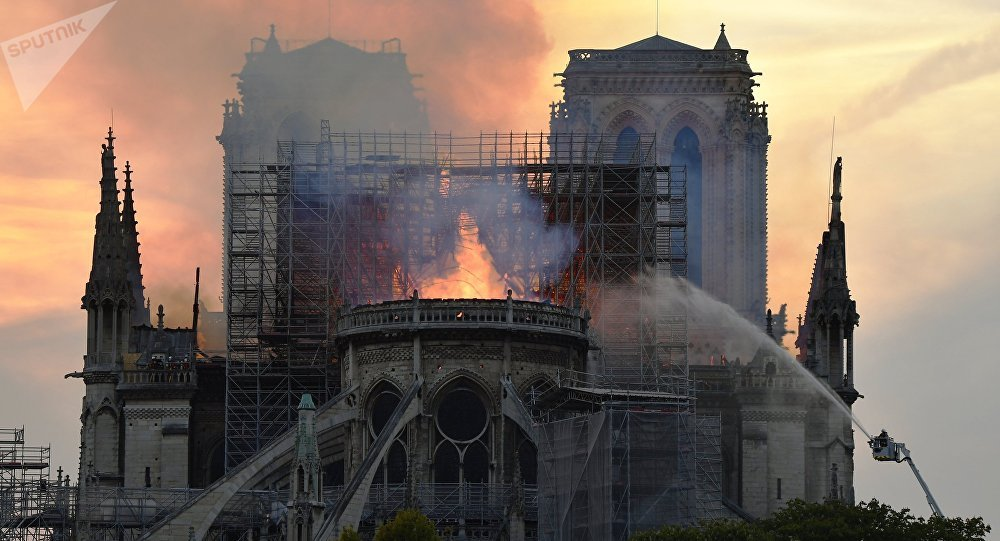 Notre-Dame de Paris en flammes