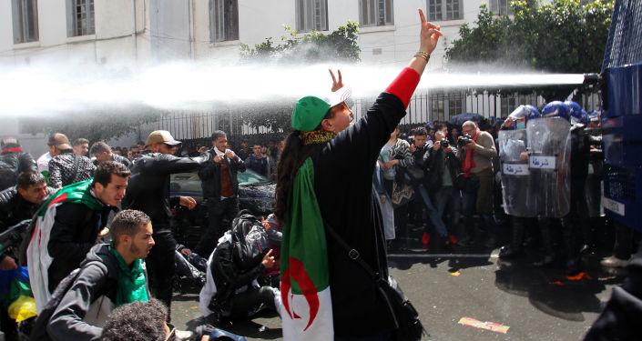 Le puissant frère de l'ex-président algérien arrêté
