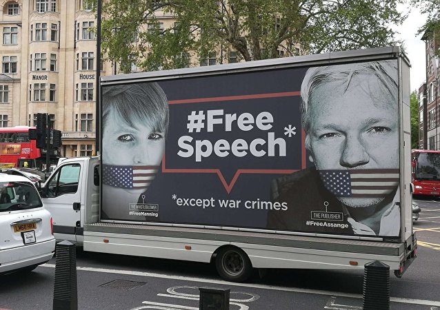 Assange Support Truck Driving Past Westminster Magistrates' Court
