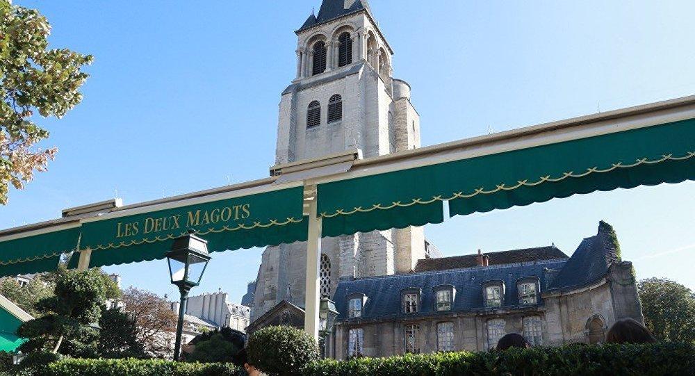 Des malfrats dérobent des objets de culte dans l'église Saint-Germain-des-Prés à Paris