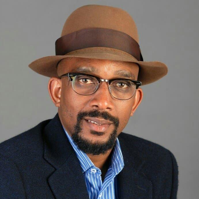 Karfa Sira Diallo, président de la Fondation Internationale Mémoires & Partages est auteur, essayiste et consultant en intelligence mémorielle