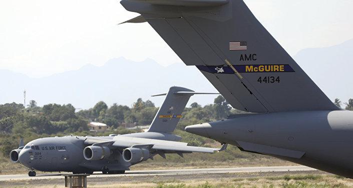 Un avion US C-17 à Cucuta, Colombie
