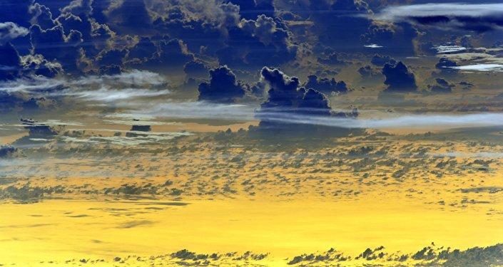 Coucher de soleil photographié depuis l'espace
