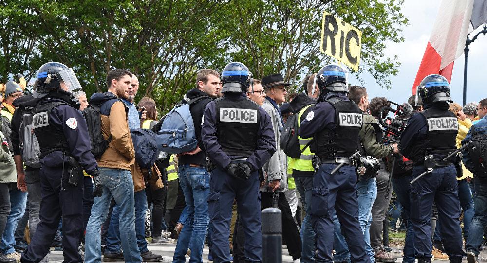 Des policiers lors des manifestattions des Gilets jaunes en France (archives photo)