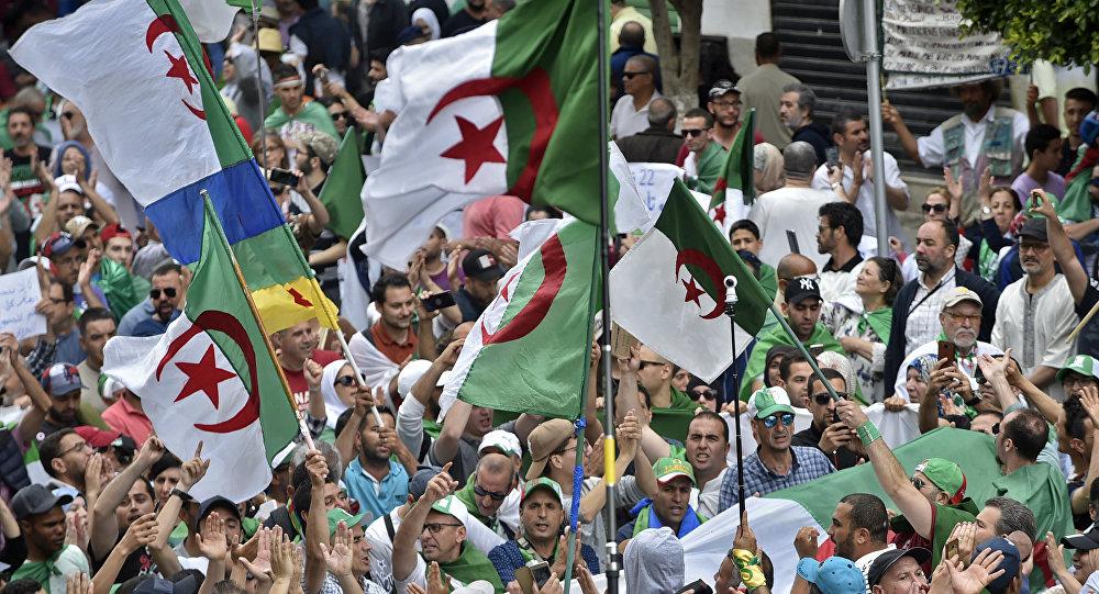 Deux candidatures déposées — Présidentielle en Algérie