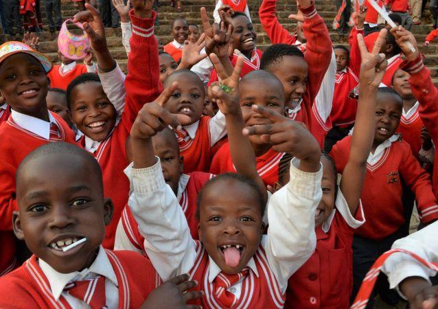 Quelque 85 millions d'enfants âgés de moins de 5 ans seront vaccinés contre la poliomyélite