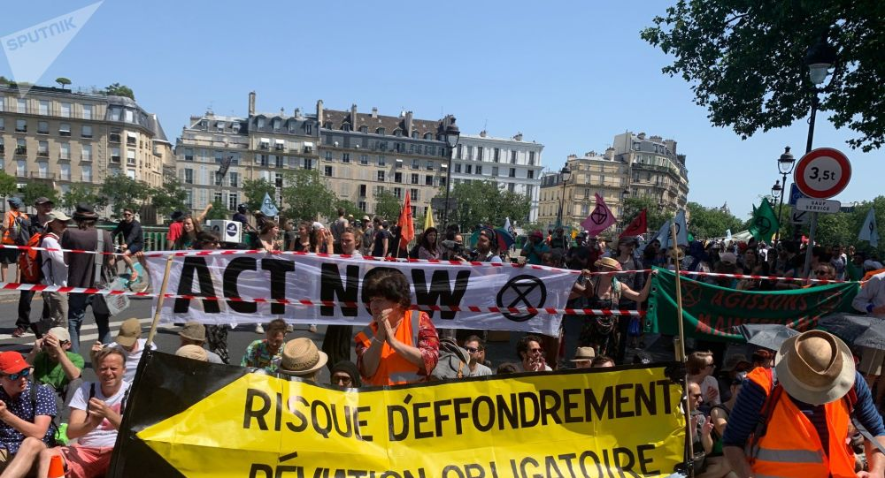 Militants du groupe Extinction rebellion