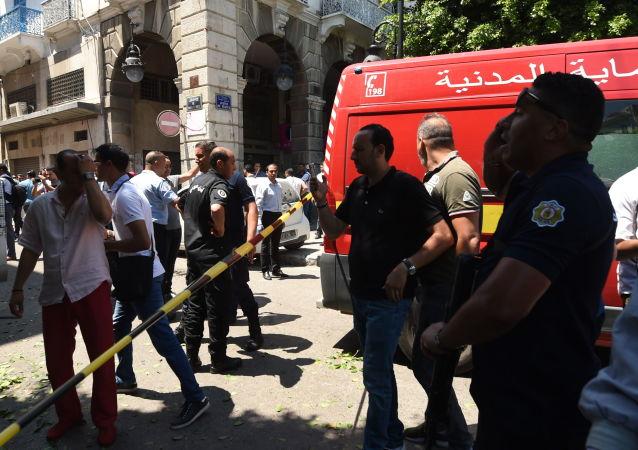 Sur les lieux du double-attentat ayant frappé Tunis le 27 juin