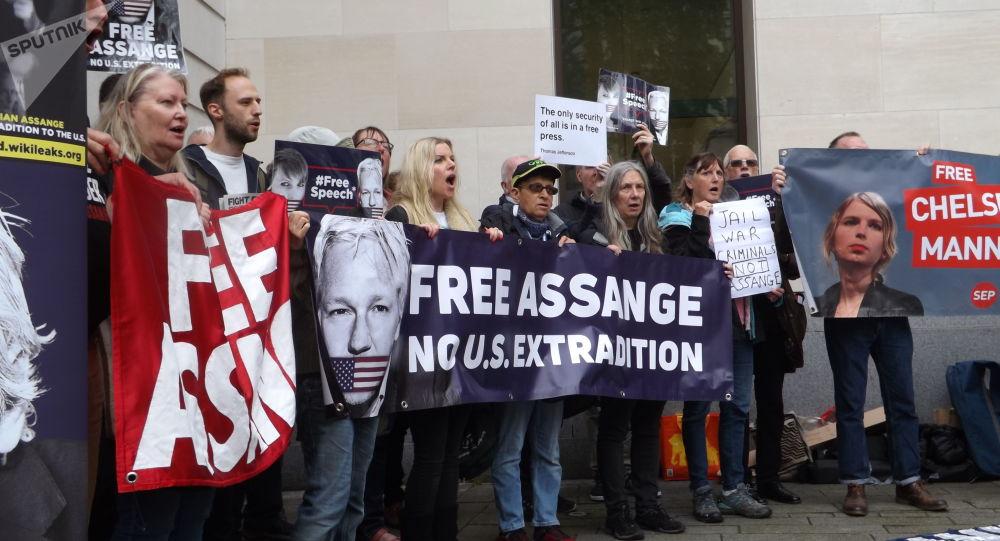 Des changements dans l'état psychologique d'Assange constatés par le rédacteur en chef de WikiLeaks