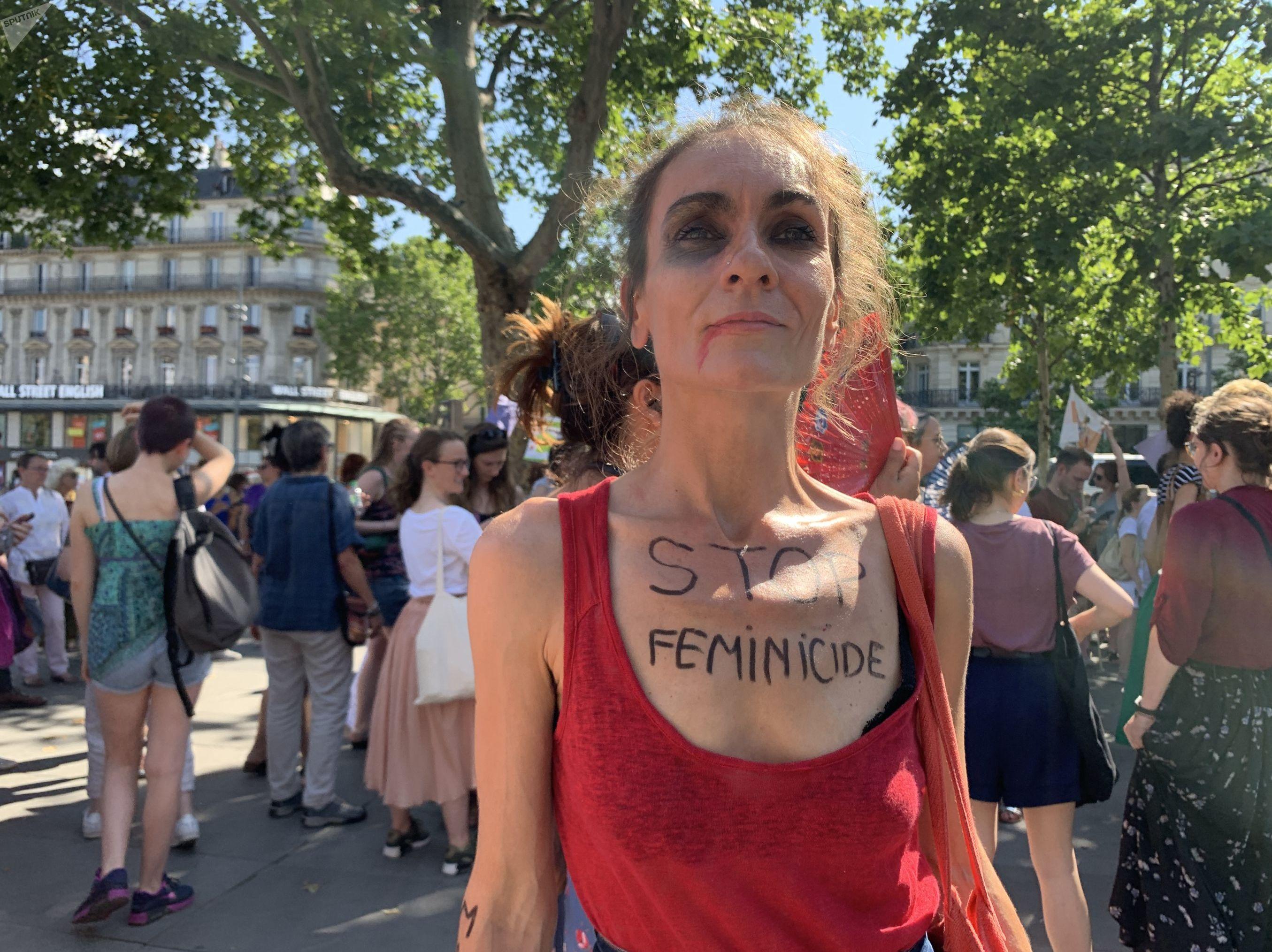 Rassemblement Stop Feminicides à Paris