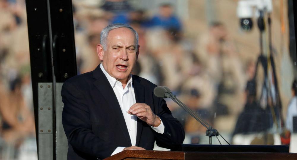 Benjamin Netanyahou en visite à la base aérienne de Hatzerim (archive photo)