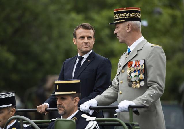 Macron au défilé militaire du 14 juillet