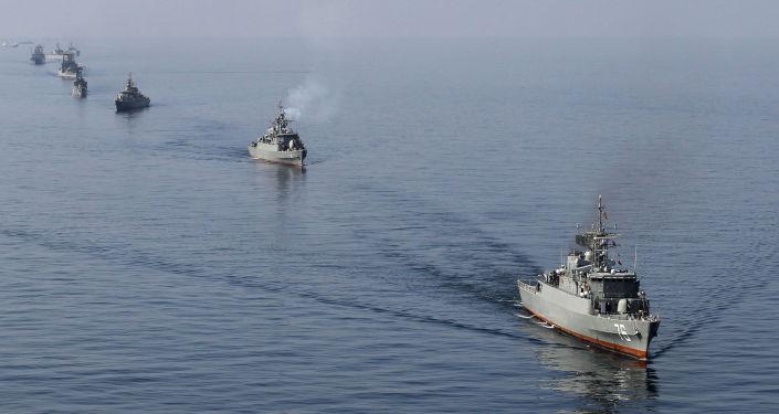 Navires iraniens dans le détroit d'Ormuz