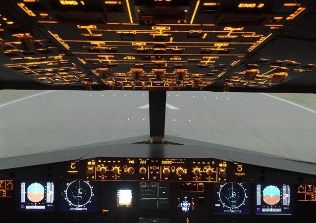 un cockpit d'un Airbus A320