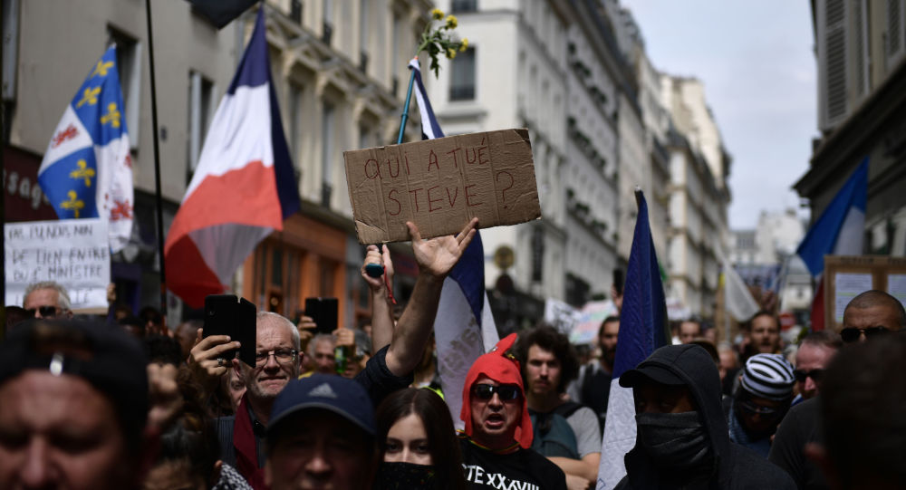 manifestation contre les violences policières après la mort de Steve Maia Caniço à Paris