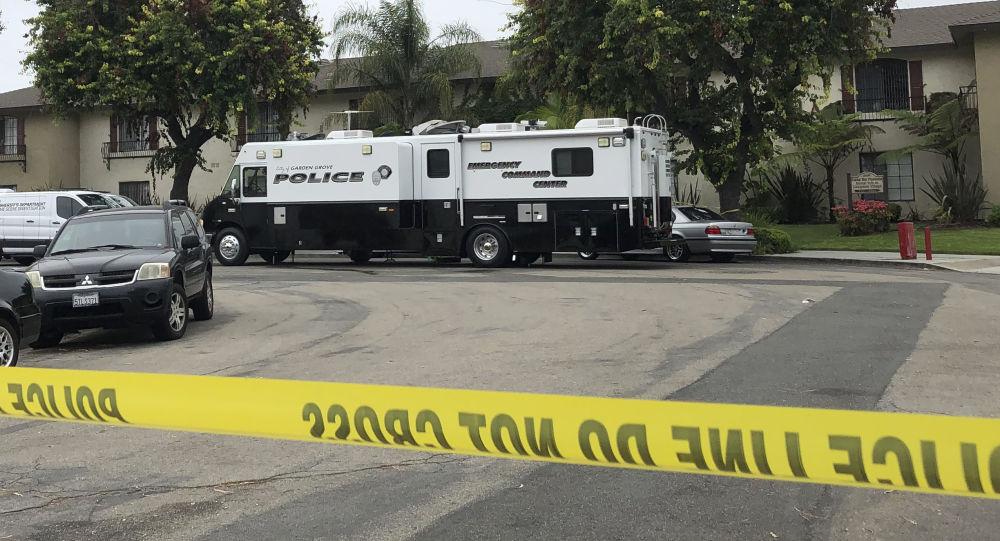 Un homme armé de deux couteaux tue quatre personnes en Californie