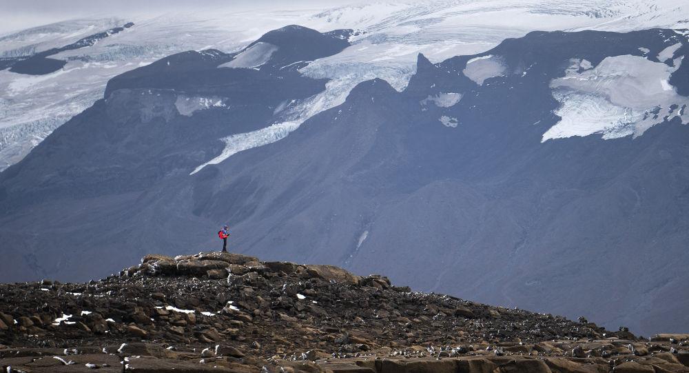 Un test négatif à nouveau exigé en Islande pour les voyageurs vaccinés
