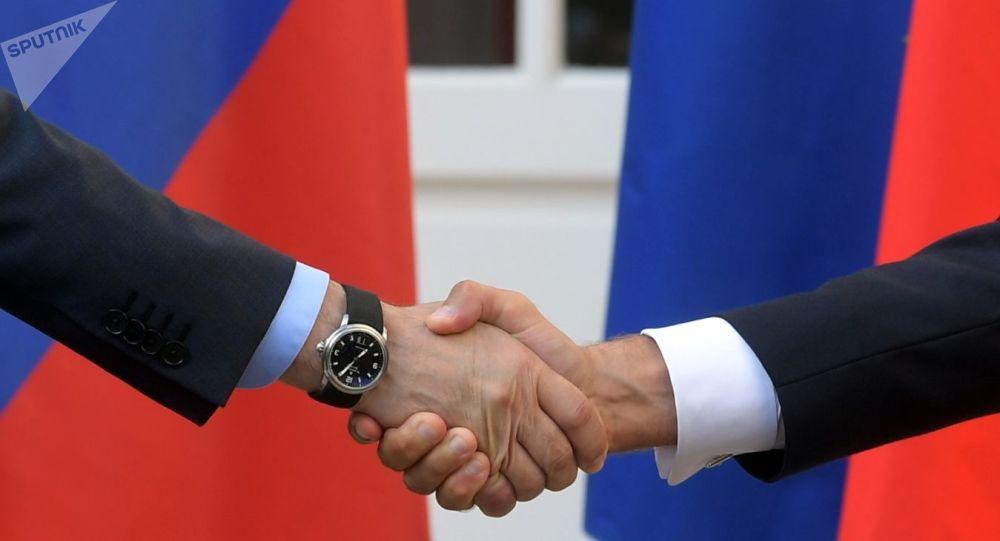 Iran, Libye, Syrie et Covid-19 discutés lors de consultations franco-russes à Paris