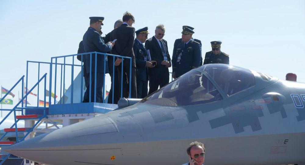 La délégation algérienne au salon Maks a examiné à deux reprises le Su-57