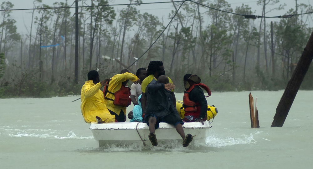 Encore 2.500 personnes non localisées après l'ouragan aux Bahamas - images