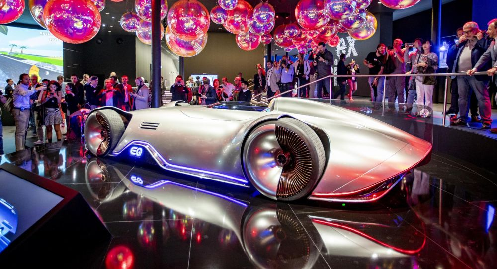 Ce concept imaginaire de Mercedes montre à quoi pourraient ressembler les voitures du futur - vidéo