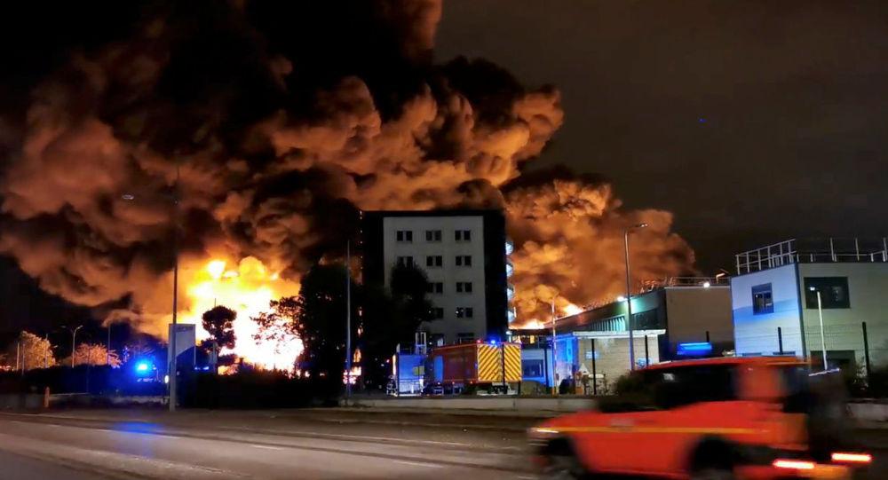 Violent incendie dans une usine Seveso à Rouen