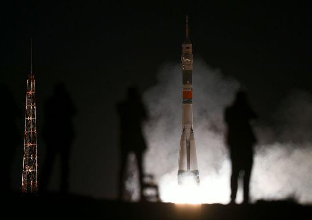 Décollage du vaisseau Soyouz MS-15 vers l'ISS