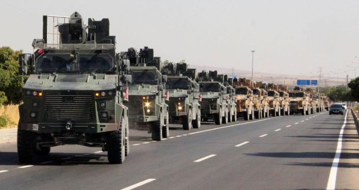 Des militaires turcs près de la frontière turco-syrienne, le 9 octobre 2019