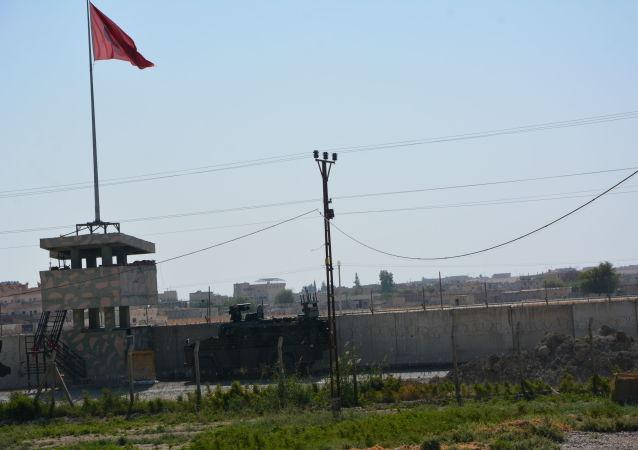 forces turques à la frontère syrienne