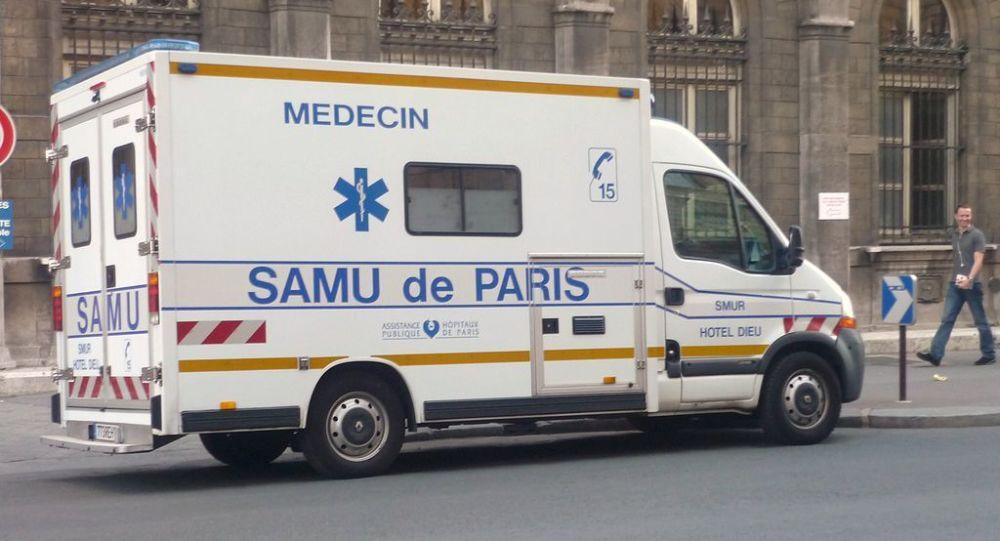 Véhicule du SAMU à Paris