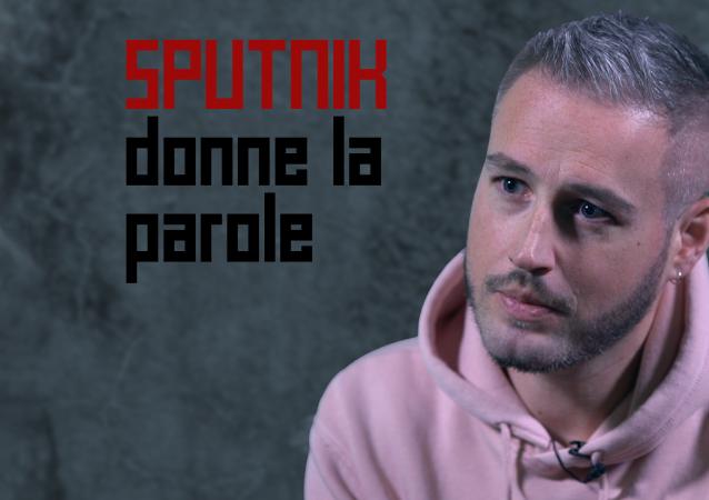 Sputnik donne la parole à Mikaël victime d'abus dans son enfance