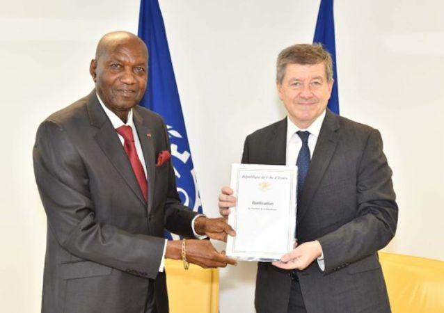 Abinan a procédé vendredi à Genève en Suisse au dépôt de trois instruments de ratification internationaux du travail pour la Côte d'Ivoire.