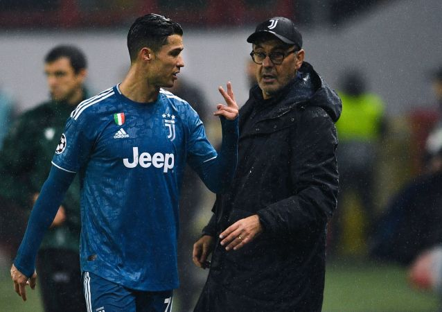 Maurizio Sarri et Cristiano Ronaldo lors du match Lokomotiv Moscou - Juventus Turin en LIgue des champions