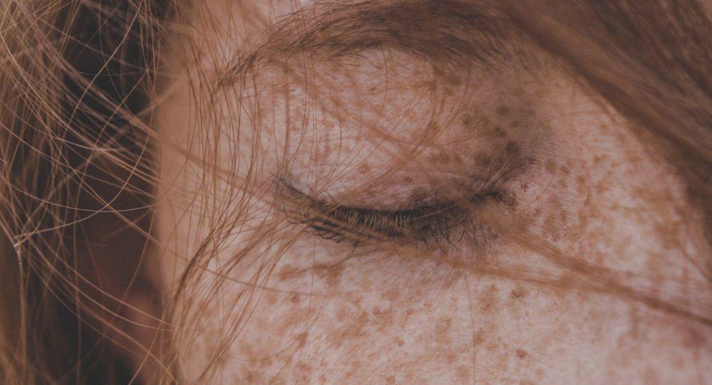 Une personne rousse (image d'illustration)