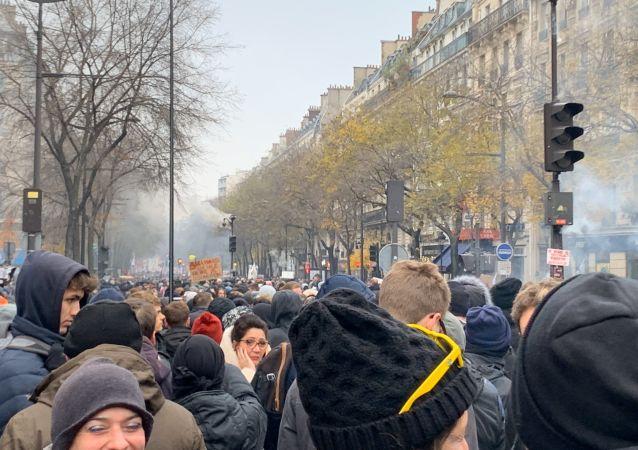 la grève générale à Paris
