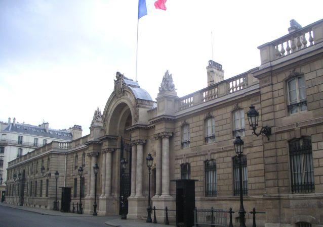 Entrée principale du Palais de l'Elysée à Paris