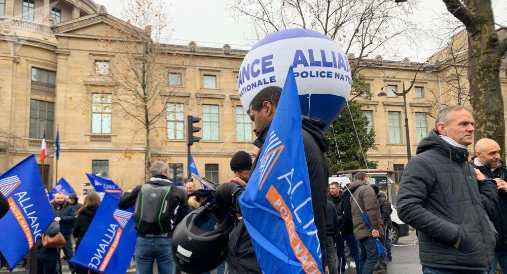 Rassemblement de policiers contre la réforme des retraites, Place d'Iéna, Paris, 11 décembre