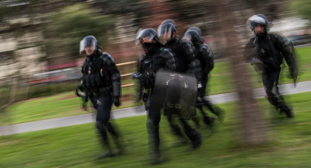 Des policiers à Nantes, le 10 décembre 2019