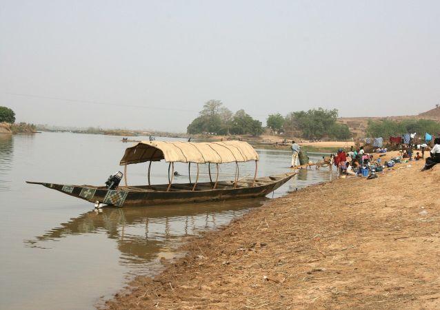 Le Niger dans le département de Kollo, près de Niamey.