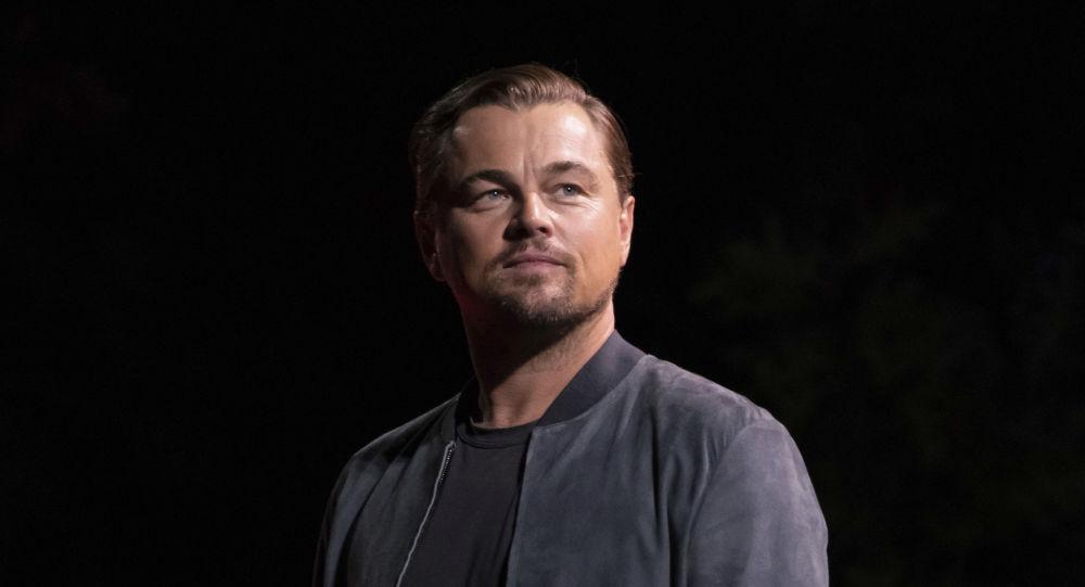 Il sauve un homme de la noyade — Leonardo DiCaprio