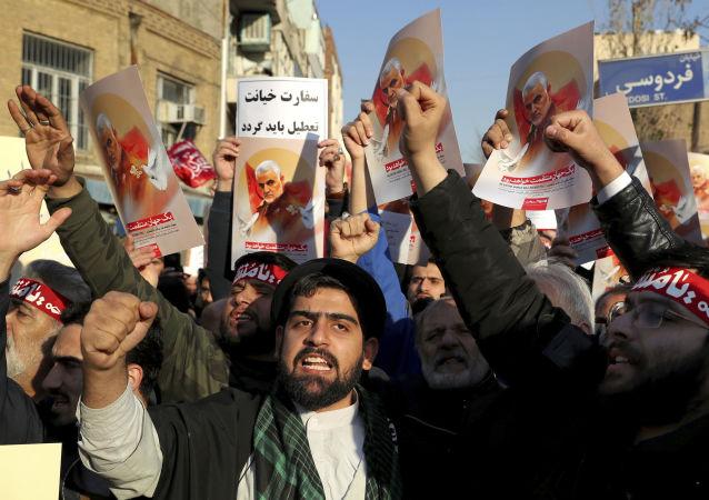 Manifestations après la mort de Qassem Soleimani à Téhéran