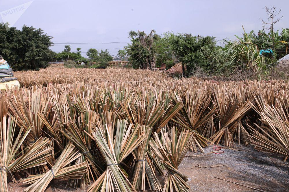 Les artisans de ce village sont réputés non seulement au Vietnam, mais aussi en Chine et en Inde.