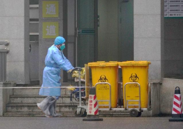 L'employé d'un hôpital à Wuhan
