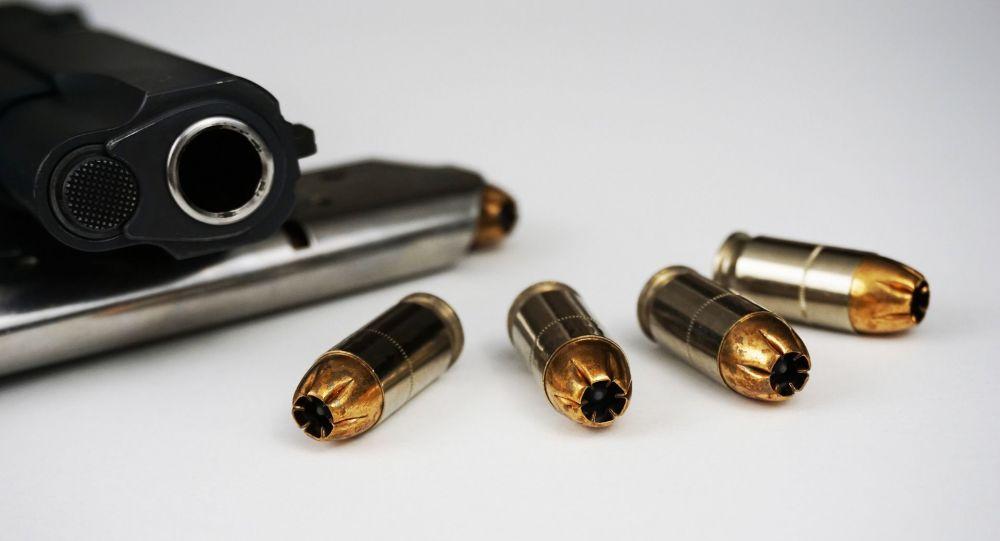 Un pistolet dernier-cri pour la police développé en Russie - vidéo