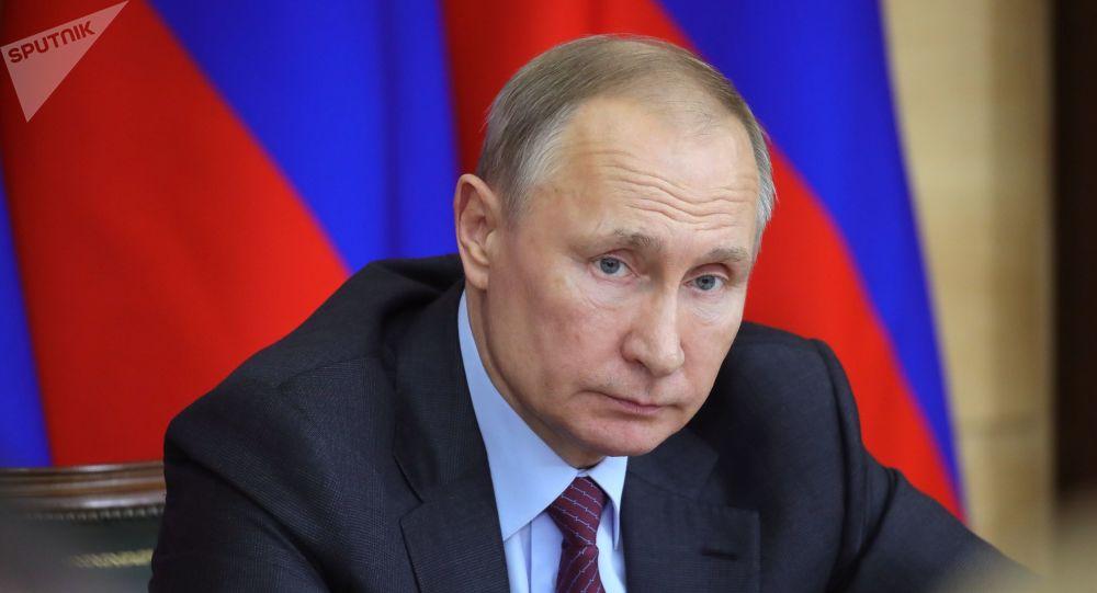 Vladimir Poutine tend la main à la Chine sur fond d'épidémie de coronavirus